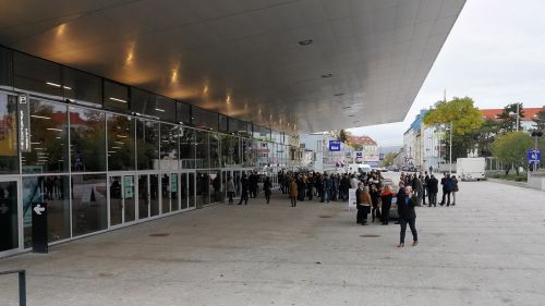 Event-Location: Vienna Stadthalle / Entry Area of Wiener Stadthalle © echonet.at / rv